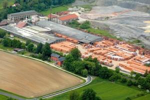 Nach der Erneuerung der Produktionsanlage laufen im Ziegelwerk Schönlind nun täglich rund 300 Tonnen Ziegel vom Band. Mittelfristig soll diese Zahl sogar weiter gesteigert werden.